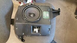 Jaguar XK8 - LH rear Quarter speaker - 2006 - 4w8319a067ba
