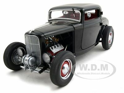 Paint Defect 1932 FORD THREE 3 WINDOW COUPE BLACK 1/18 1 OF 3000 GMP G1805011