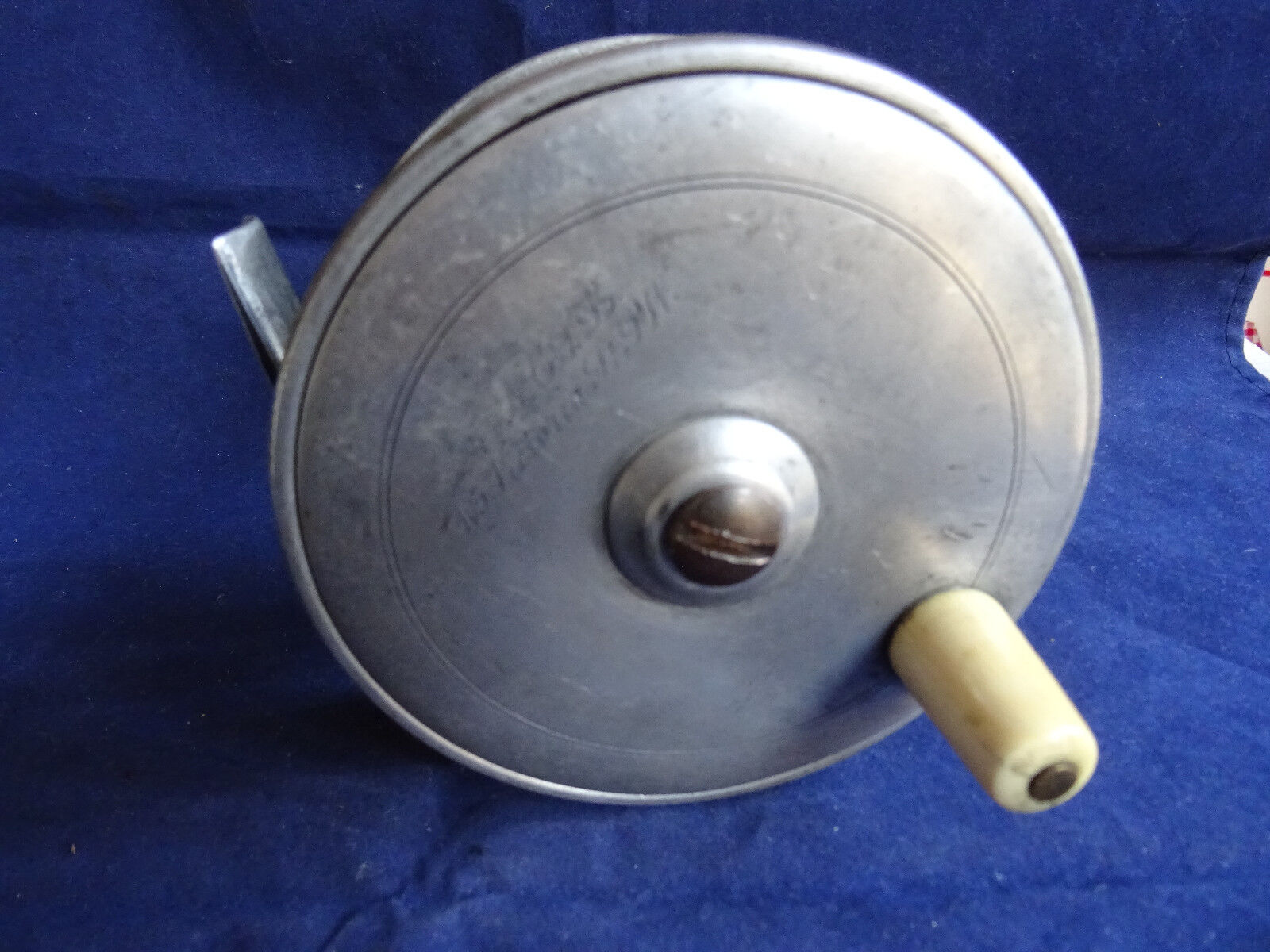 A SCARCE  VINTAGE VICTORIAN LIGHTWEIGHT ALLOY 4 1 4  ARMY & NAVY SALMON FLY REEL  we offer various famous brand