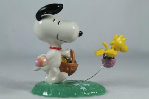 Dept 56 /& Peanuts /'Snoopy/'s Egg Hunt/' Adorable #4038932 New In Box