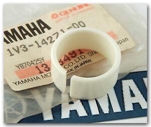INSULATOR Yamaha 1V3-14271-00-00