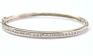 Fine-Round-Cut-Diamond-Channel-Setting-Yellow-Gold-Bangle-62Ct-14Kt