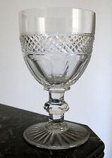 Joli verre à vin blanc 10,8 cm en cristal de Saint Louis modèle Trianon  carafe