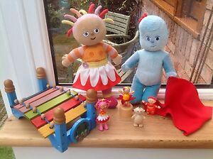 In-The-Night-Garden-Talking-Singing-Upsy-Daisy-Iggle-Piggle-Toy-Figures-Bundle