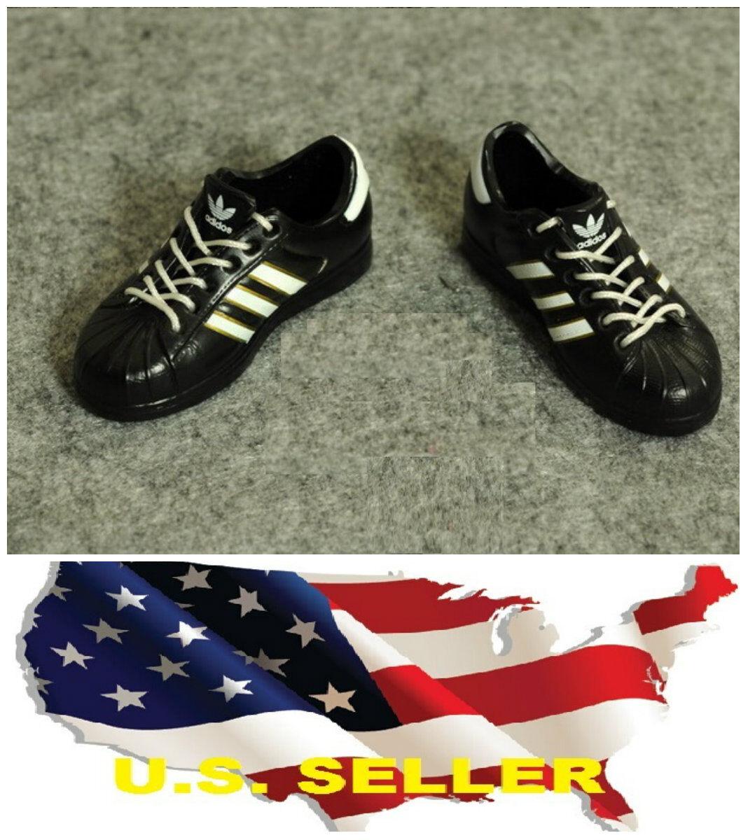 Zapatillas de deporte shoes1 / 6 estilo Adidas en color blanco negro para hombre de 12 \