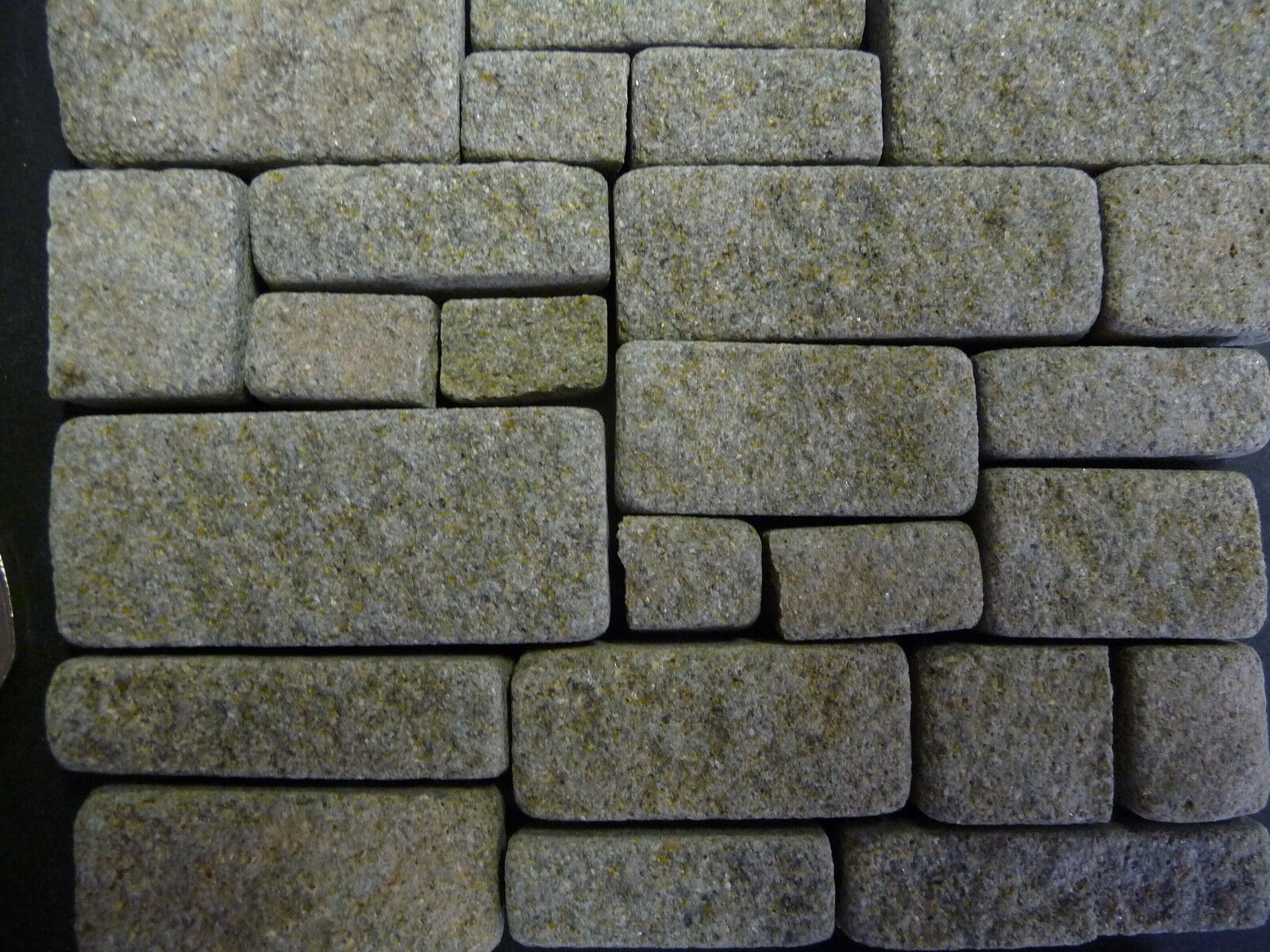 100 sq ins 1 12th Scale REAL grau STONE Miniature Cottage Stone Building Blocks