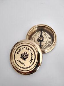 Boussole-laiton-Royal-Navy-London-diametre-6cm-avec-couvercle