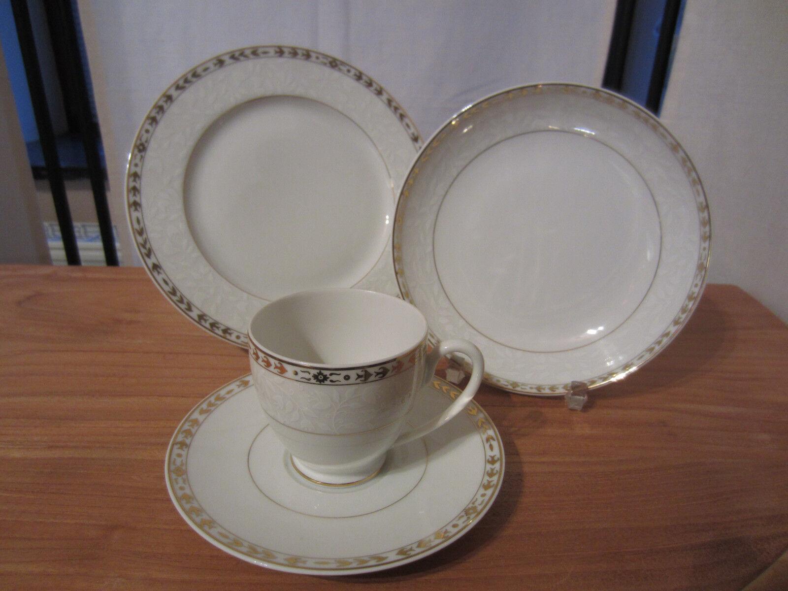 GUY DEGRENNE NEW Lenassia Set 2 Assiettes + Tasse à café Plate + cup