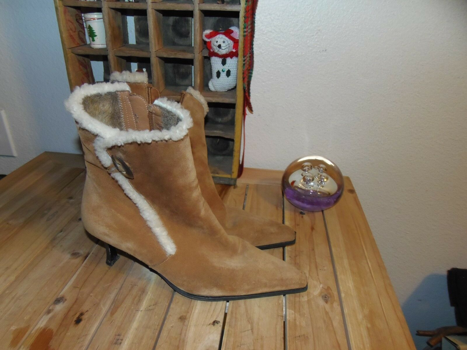 Stuart Weitzman BOOTS 9.5 Brown Leather Leather Leather Boots 9.5  Worn THREE TIMES FUR LINING a0b477