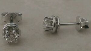 Orecchini-Punto-Luce-in-oro-18-Kt-e-diamanti-carati-0-30-prezzo-imbattibile