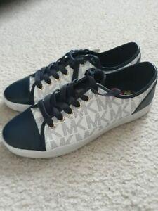 City Sneaker MK Signature Size 8 Blue