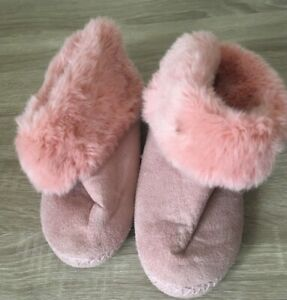 GIRLS LADIES PINK FLUFFY BOOT SLIPPERS