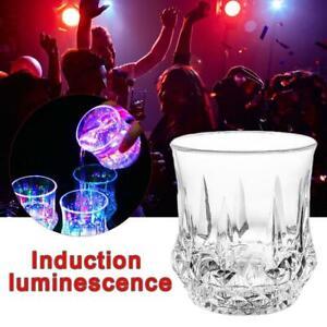 Buntes-LED-gluehendes-Bier-Schalen-Induktions-blinkendes-Weinglas-KTV-Bar-Getraenk