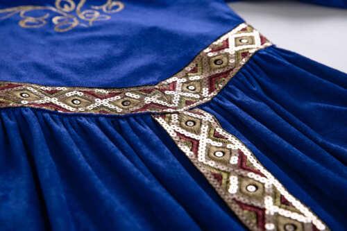 Vintage Girls Renaissance Royalty Queen Costume Knight Medieval Princess Dress