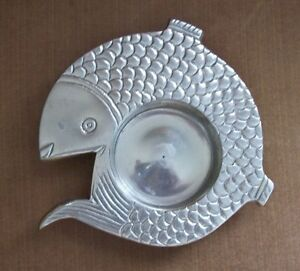 Silver-Metal-Fish-Candle-Holder