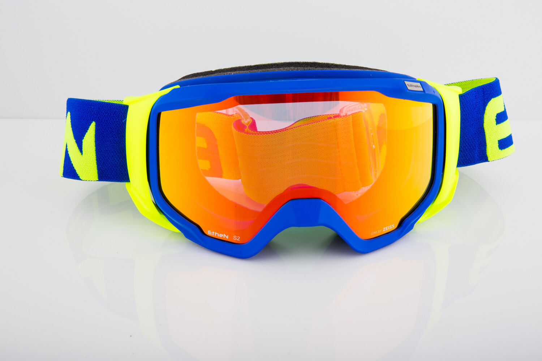 MásCochea de esquí Essen 06 lente másCochea de esquí de varios pisos cubierta de nieve Cochel Chase visual wc0601