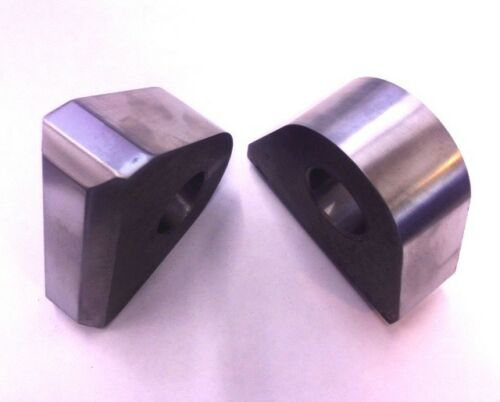 """Pair of Chamfered weld on recovery shackle mounts for use with 3//4/"""" bow shackles"""