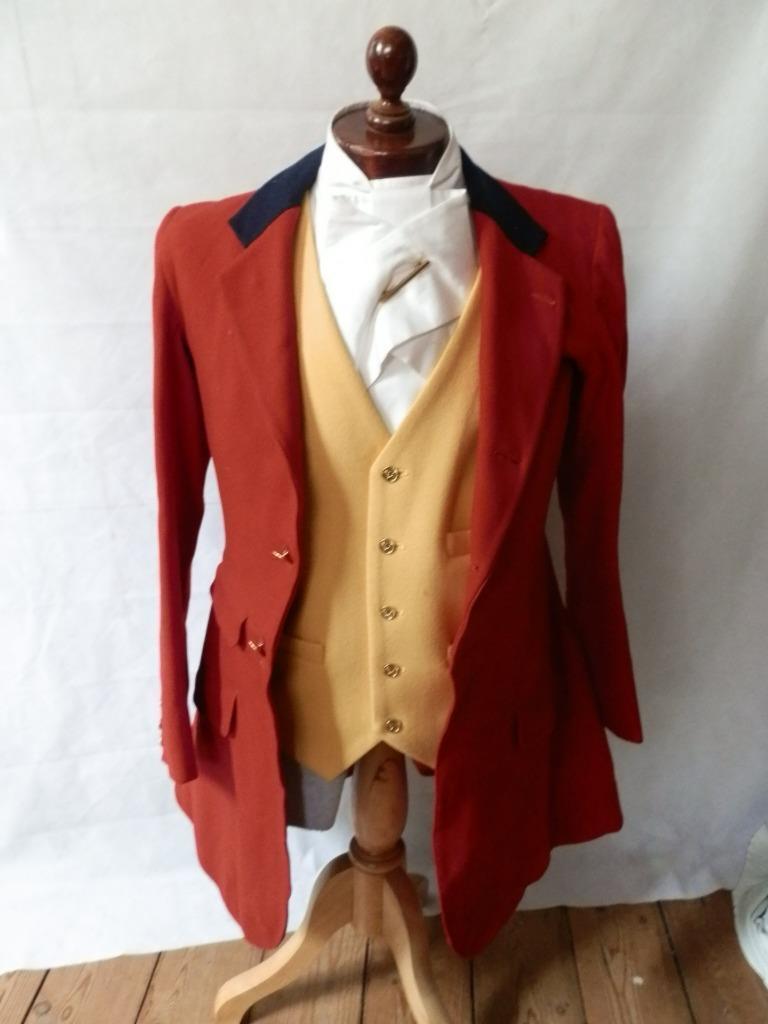 Antiguo 1913 Rojo Caza Abrigo East Kent Botones De Caza. 36  Pecho. . Irvine Ootacamund