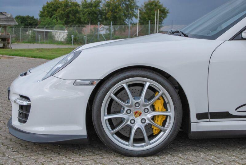 Porsche 911 GT2 Coupé - 4