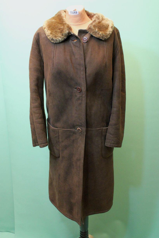 Schöner Lamm Fell Mantel ca 46 XL vintage Leder brown vom Kürschner shearling