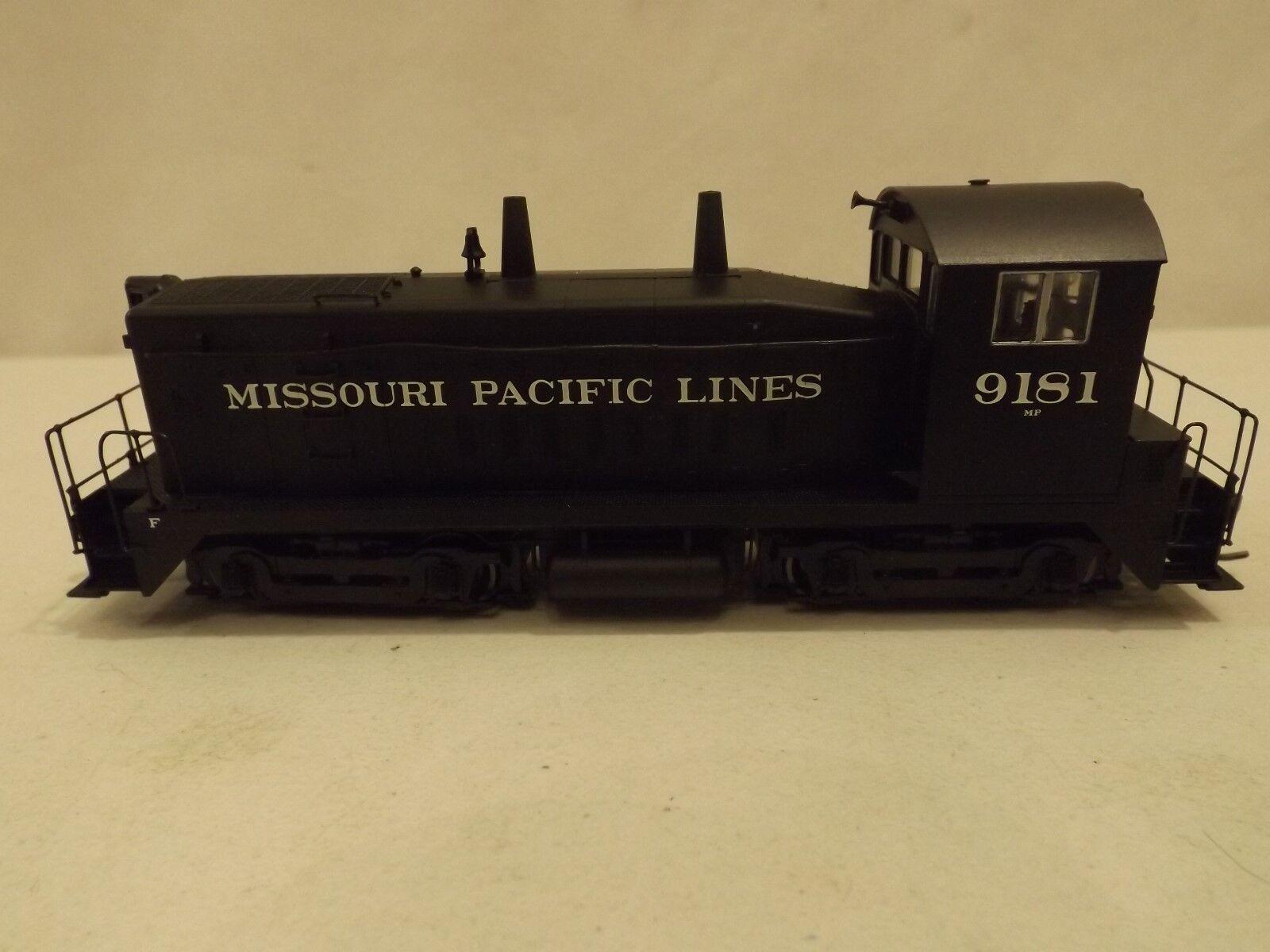 HO Prossoo 2000 Missouri Pacific SW9 1200 diesel engine in original box