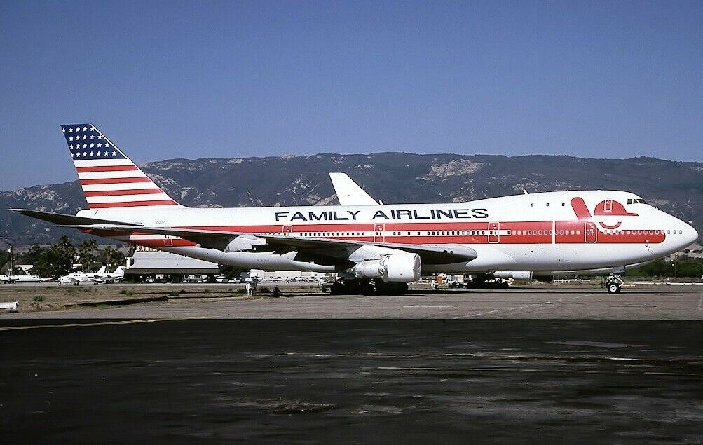 Inflight 200 IF741FAM0519 1 200 Familia Airlines Boeing 747-100 N93117 con