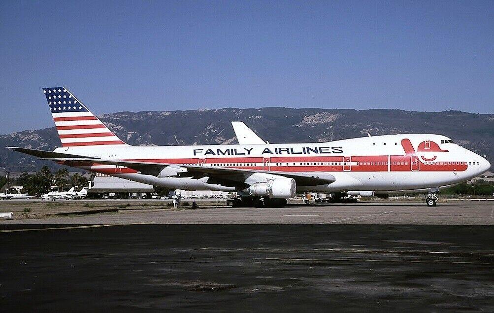 in linea Involo 200 IF741FAM0519 1 1 1 200 Famiglia Airlines Boeing 747-100 N93117 con  incentivi promozionali
