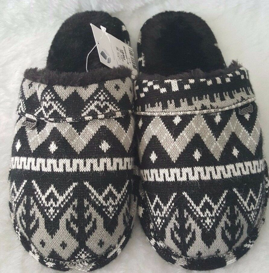 Reef NWT Woman&#039;s Black/White/Gr<wbr/>ay Design Hard Sole Slippers Size 6/7