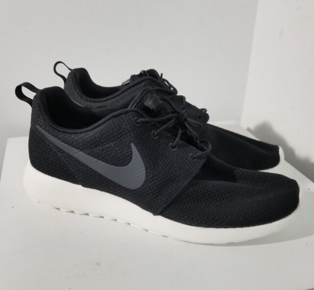 sale retailer dbb52 7bc26 NIKE Men s Roshe Run 511881-010 Running Shoes ...