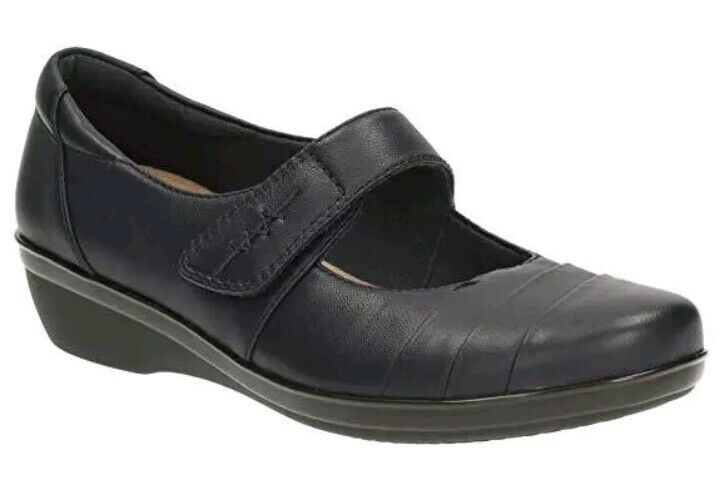 BRAND NEW LADIES CLARKS SHOES EVERLAY KENNON IN NAVY LEATHER UK SIZE 4D