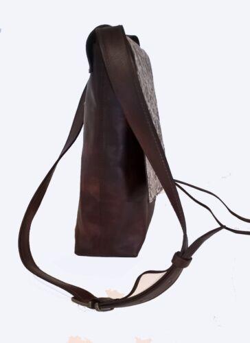 borsa a tracolla in pelle anticata e pattina con particolare rose stampate
