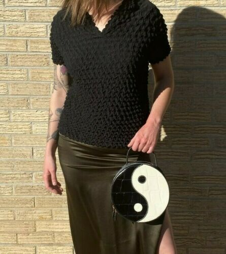 ISSEY MIYAKE Bubble Top Black Scrunchie Texture Vi