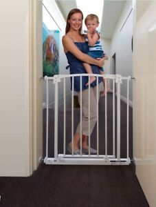 Child-Safety-Pressure-Mounted-Baby-Gate-Suits-openings-73-82cm-740