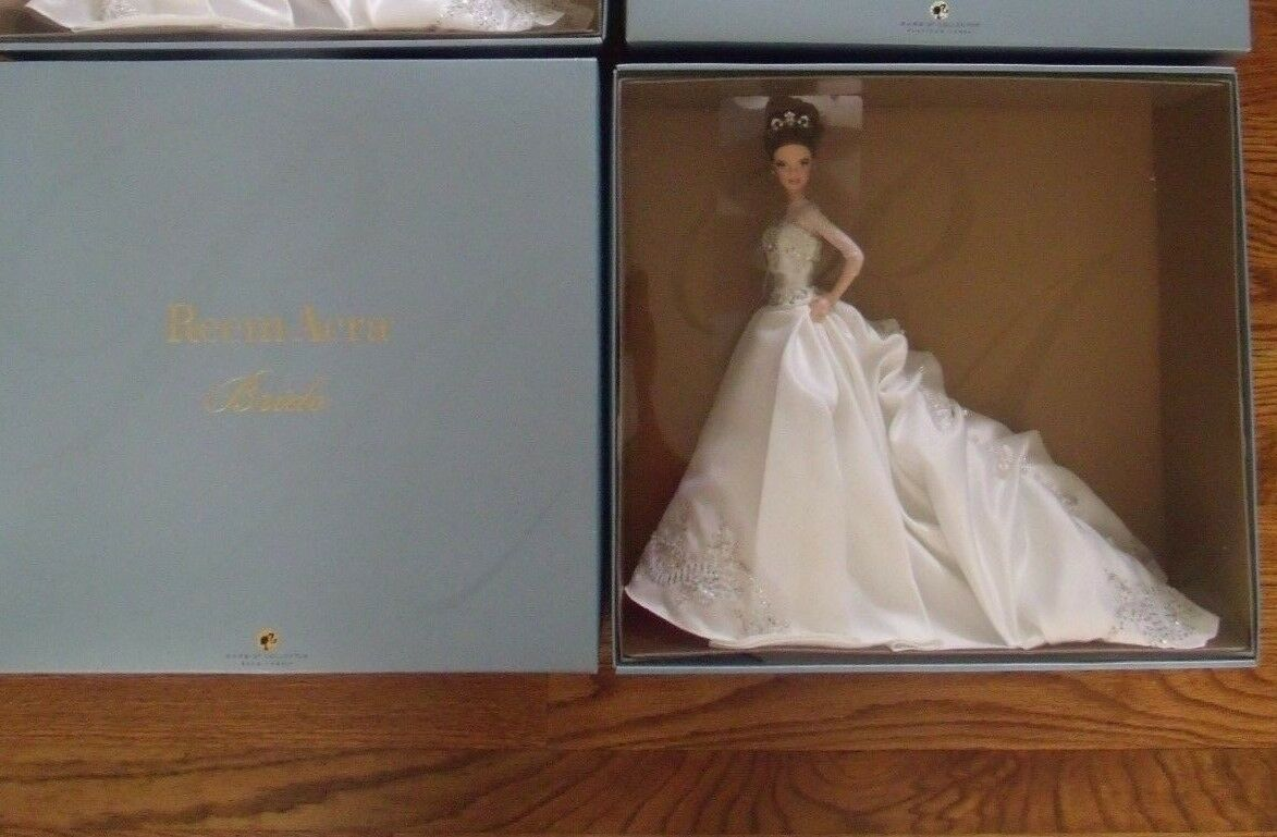 Reem Acra Novia Barbie 2007 oro Label