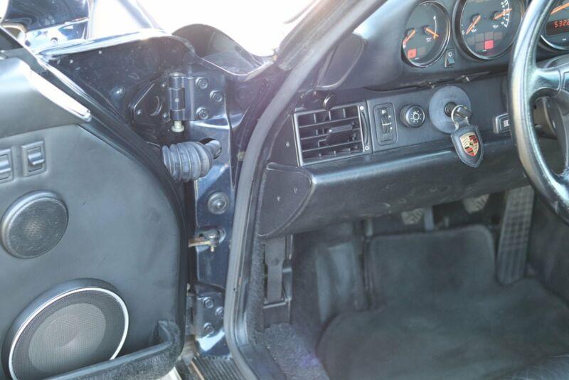 Porsche 911 Turbo - 12