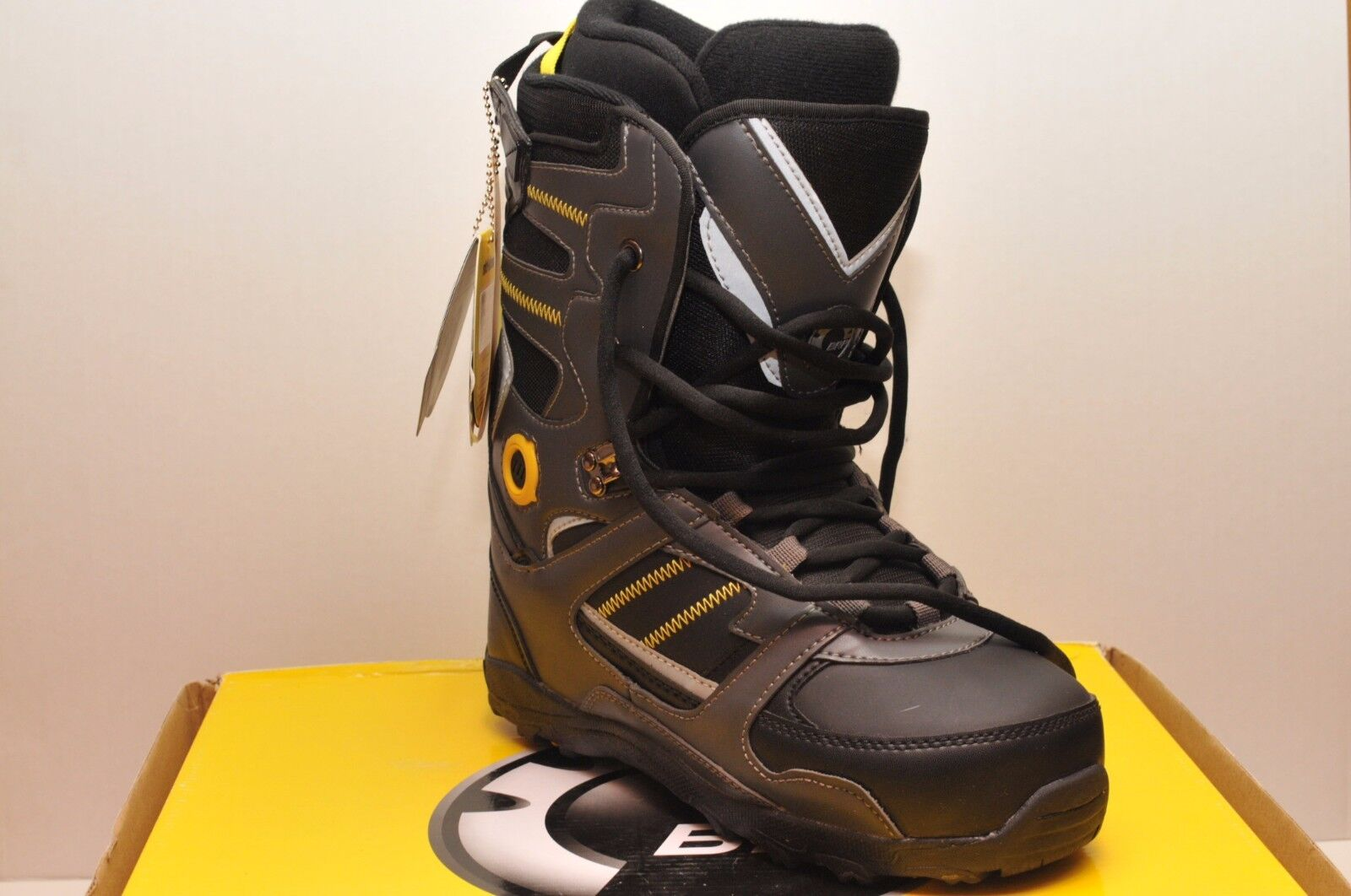 SKI-DOO HOLESHOT SNOWMOBILE BOOTS  4441652709 MEN SIZE 7 CHARCOAL YELLOW  shop online today
