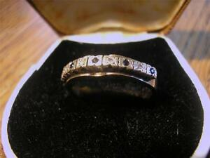 Lovely-Vintage-Unusual-9ct-Gold-Sapphire-amp-Diamond-Ring