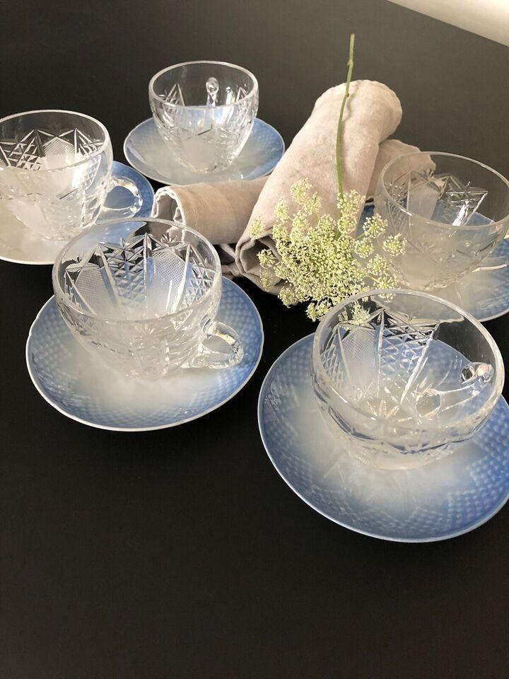 Porcelæn, 8 stk. kopper/underkopper, Mågestel og krystal