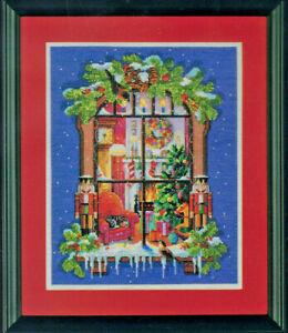 Kooler Design Studios Zweigart Artiste CHRISTMAS WINDOW Cross Stitch Kit