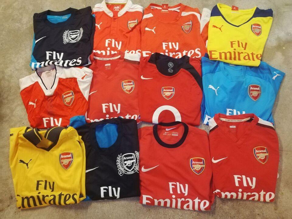 Fodboldtrøje, Arsenal trøjer i small til salg, Nike og puma