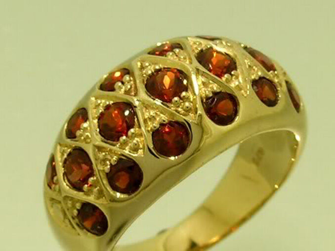 R134 Genuine 9K SOLID Yellow gold NATURAL Garnet Domed DOME Ring size M