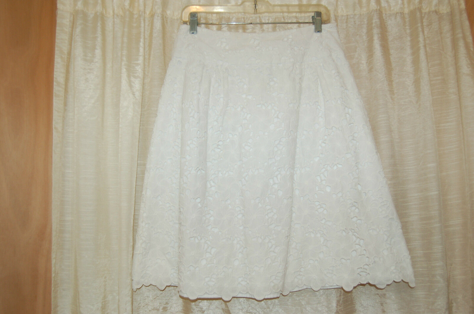 Lilly Pulitzer White Cotton Eyelet Skirt Size 6  Excellent