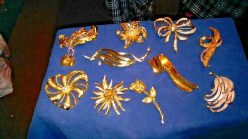 Avon Vintage Brooches and Pins rare types of the h