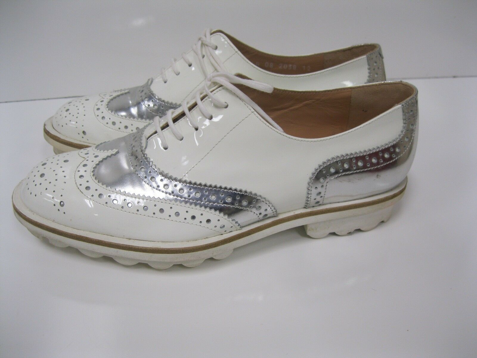 ROBERT CLERGERIE Oxfords Weiß Patent and Silver Leder Oxfords CLERGERIE Schuhes 37.5 EUC 53c48c