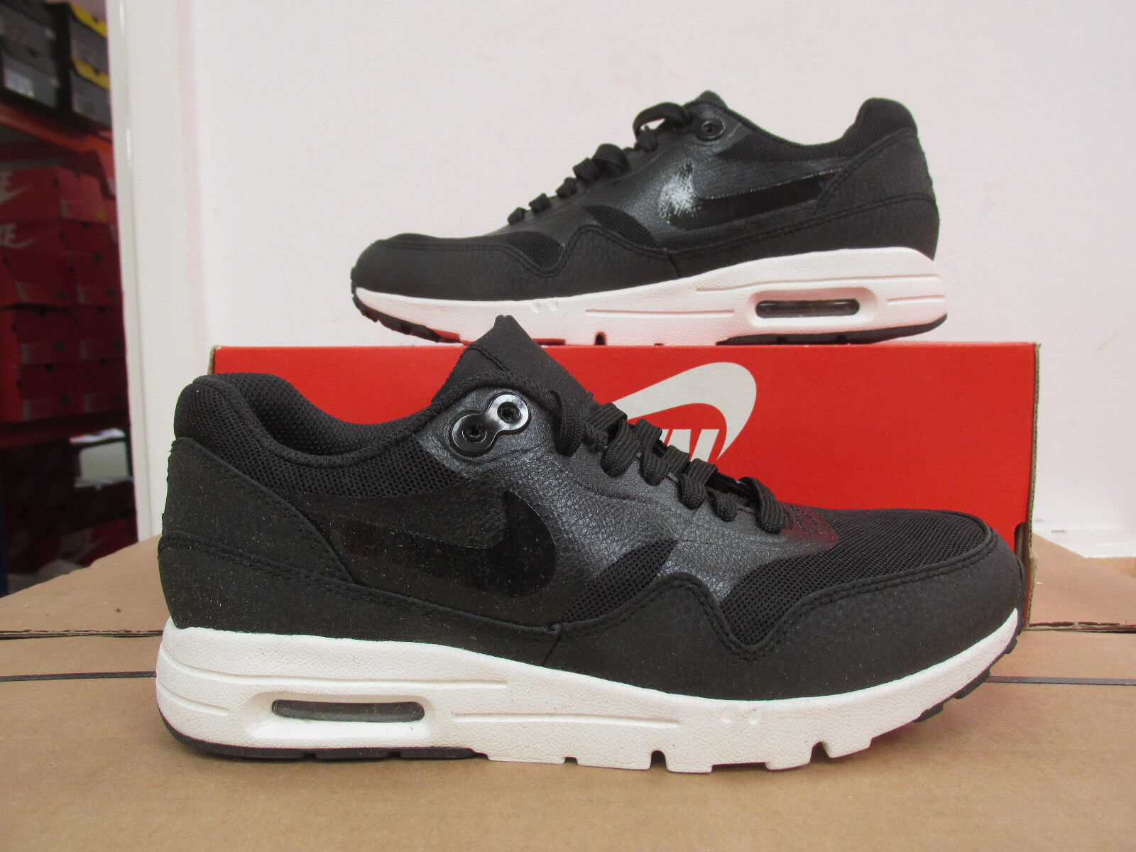 Nike Air Max 1 Ultra Essentials Damen Turnschuhe 704993 001 Sneakers Räumung