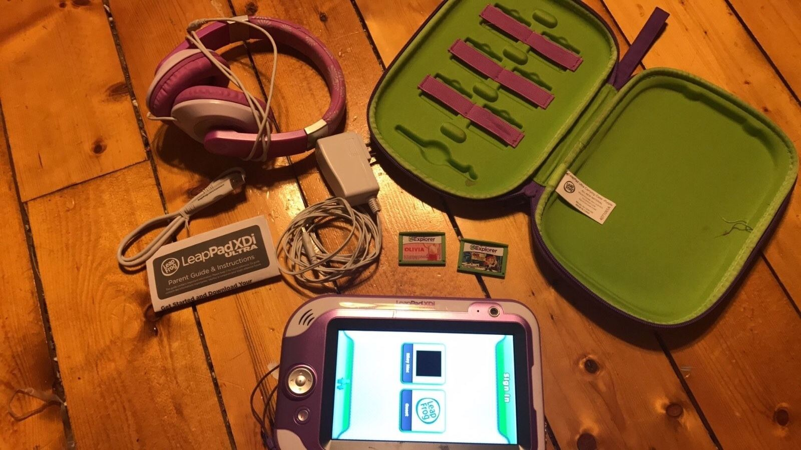 Purple LeapFrog LeapPAD Ultra XDi with games and accessories