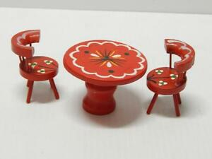 VINTAGE SCANDANAVIAN HAND MADE WOOD MINIATURE DOLL HOUSE SIZE TABLE CHAIR SET
