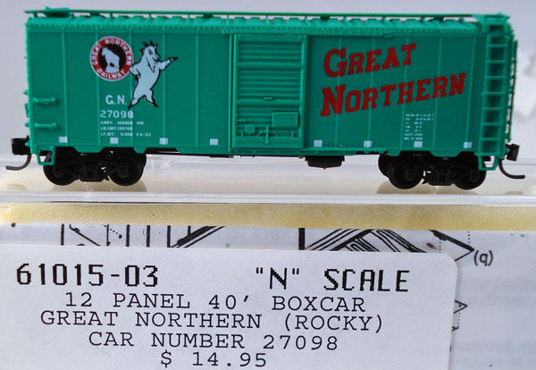 Box Car  Intermountain  61015  N-scale Great Northern  12 Panel 40 ft