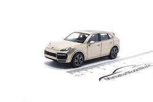 870067200-Minichamps-Porsche-Cayenne-2017-oro-gris-metalizado-1-87