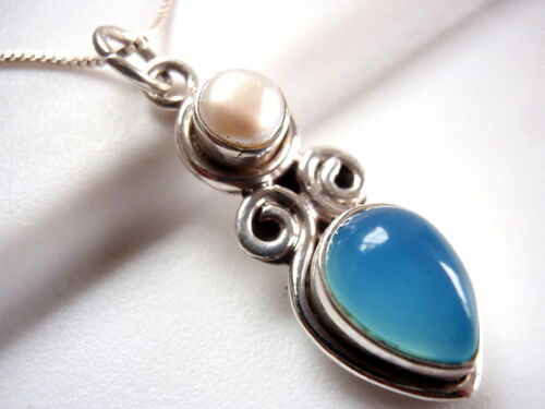 Genuine Chalcedony and Cultured Pearl Pendant 925 Sterling Silver 3.5ct  New